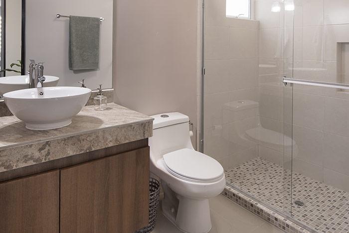 baño casa modelo berceo cumbres de la rioja nuevo león