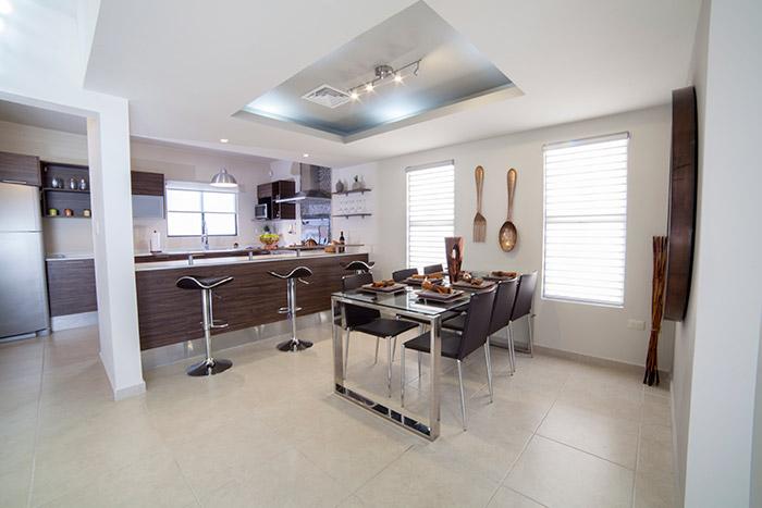 Cocina y Comedor casa modelo San Miguel Las Lunas